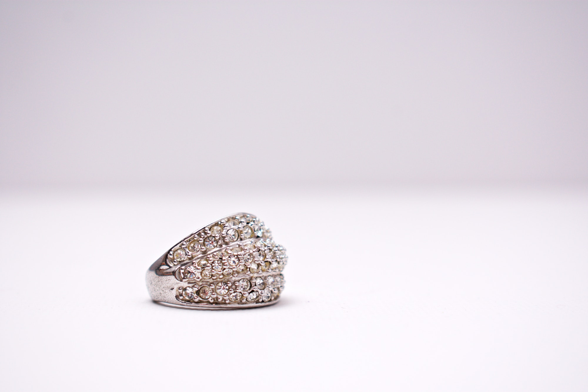 design-diamonds-jewellery-1302307.jpg